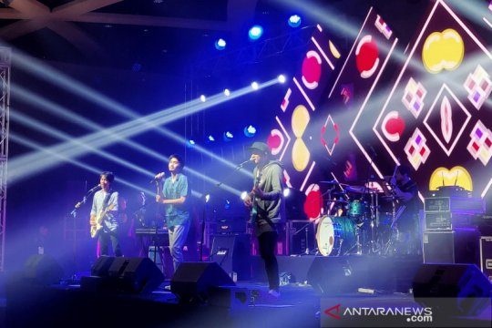 """""""A Night with Sheila on 7"""", konser penuh energi"""