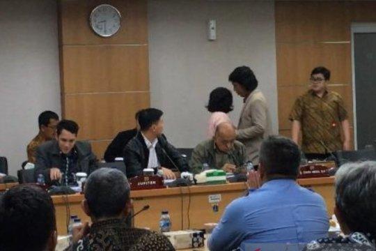 Rapat Komisi C DPRD DKI ditunda karena perdebatan sesama anggota dewan