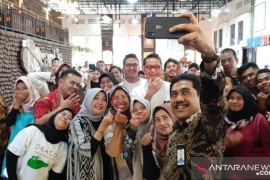 "Semarakkan Hari Nusantara, seniman Pariaman ""ngamen"" massal"