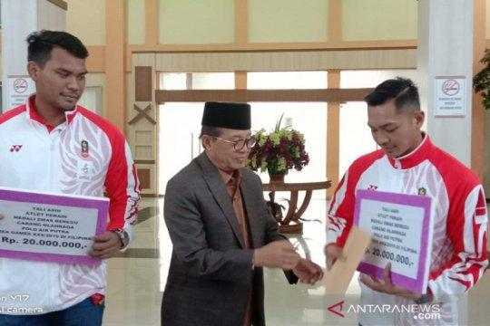 Atlet Jambi peraih emas SEA Games terima tali asih