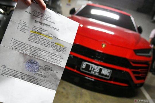 Razia pajak mobil mewah