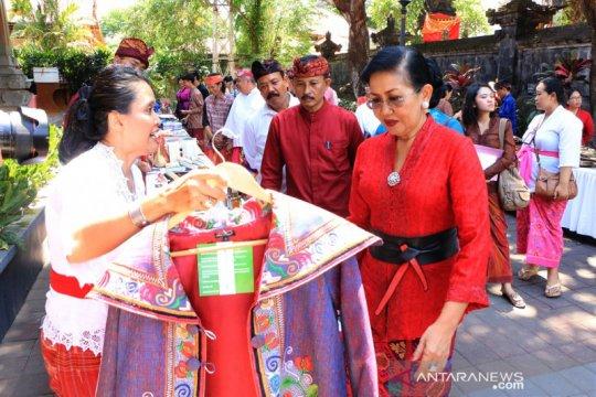 Putri Koster minta pengusaha besar bantu IKM Bali