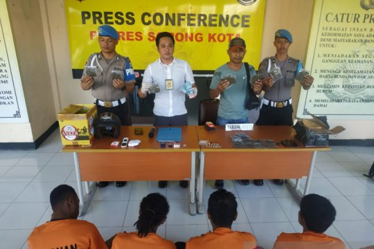 Polres Sorong Kota tangkap empat pengedar narkoba