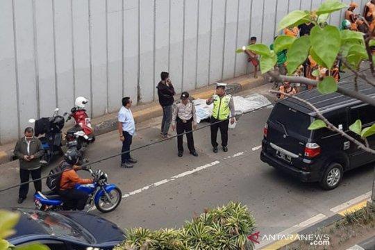 Polisi sebut saksi lihat AJ lompat dari Underpass Senen