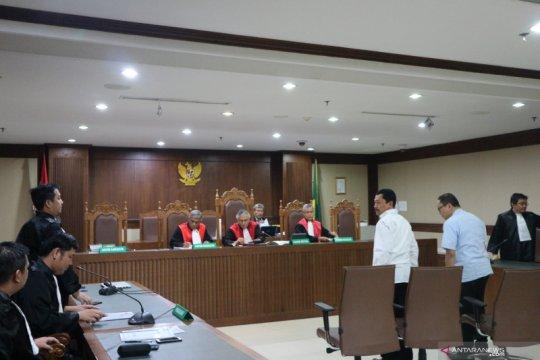 Dua pejabat Kepri didakwa bantu terima suap Gubernur Nurdin Basirun