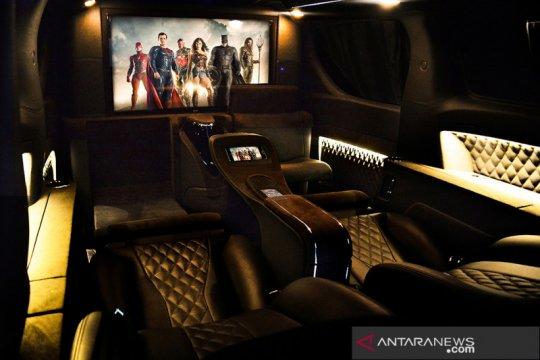 Modifikasi interior mobil layaknya kabin pesawat ala Lombardi Auto