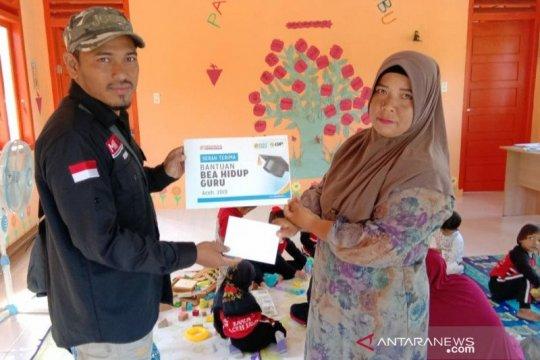 ACT santuni guru mengabdi belasan tahun hidup seadanya di Aceh