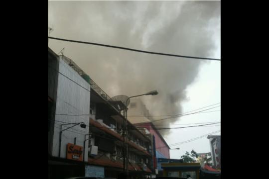 Api mal Lokasari Square diduga dari renovasi bekas Diskotek Miles
