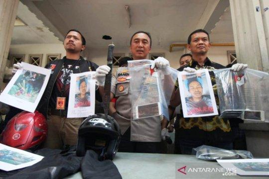 Polrestabes Surabaya tembak mati begal motor dikenal sadis