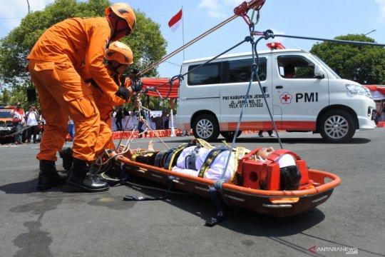 PMI Jember salurkan obat-obatan untuk TNI yang bertugas di Papua