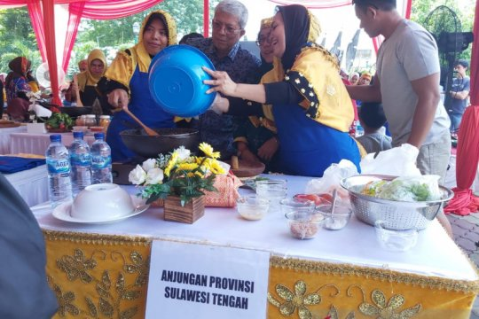Adu hebat masak rendang di TMII diikuti 27 provinsi se-Indonesia