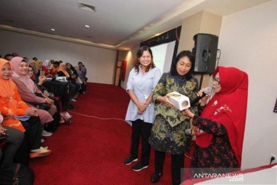 """Program """"Pahlawan Ekonomi"""" di Surabaya dipuji Menteri PPPA"""