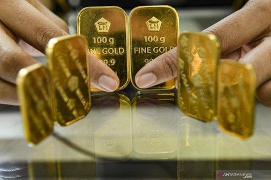 Harga emas turun tipis, tertahan pelemahan dolar dan saham AS