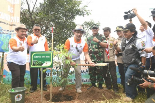 Upaya Jabar selamatkan lahan kritis