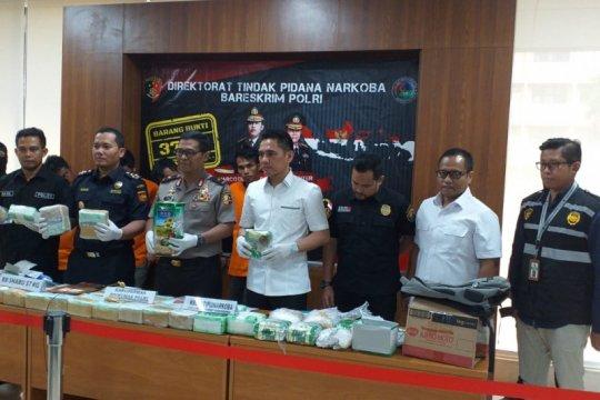 Bareskrim tangkap empat kurir pembawa 37 kg sabu-sabu dari Malaysia
