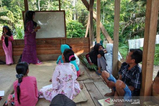 Suku Talang Mamak, kini mereka menolak hidup dalam ketidaktahuan