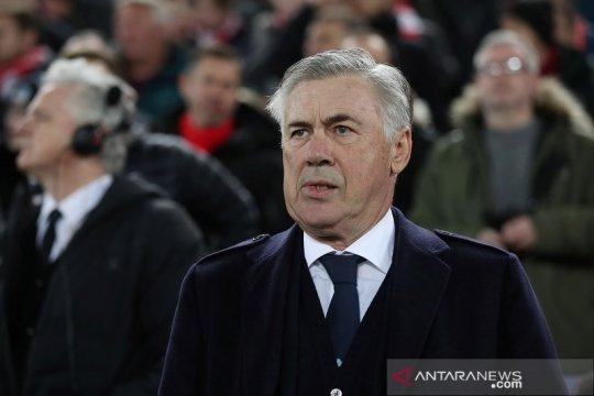 Unai Emery terusir, Berbatov jagokan Ancelotti