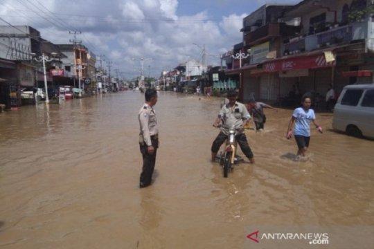 Balita tewas terseret banjir di Rokan Hulu