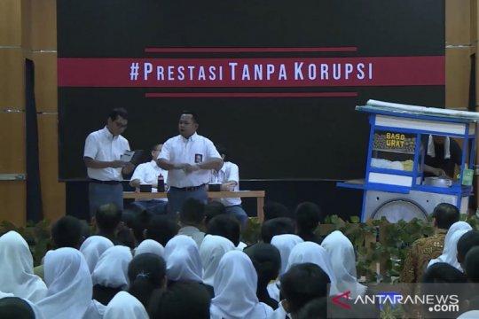 Perankan anak SMA, Wishnutama tetap santai ditonton Presiden