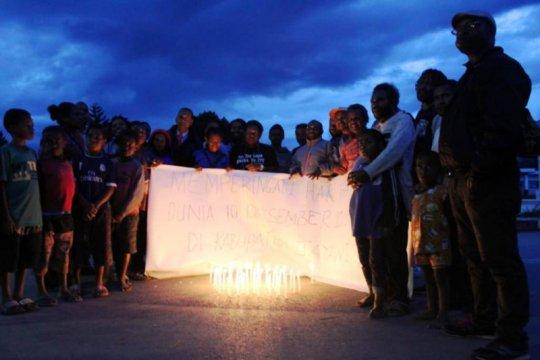 Warga Wamena nyalakan lilin peringati hari HAM