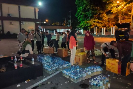 Ribuan botol minuman keras Cap Tikus disita Polda Maluku Utara