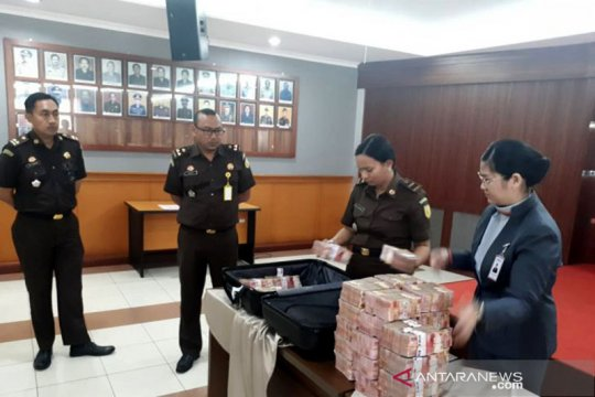 Kejaksaan Negeri Jakarta Barat eksekusi pembayaran denda Rp3 miliar