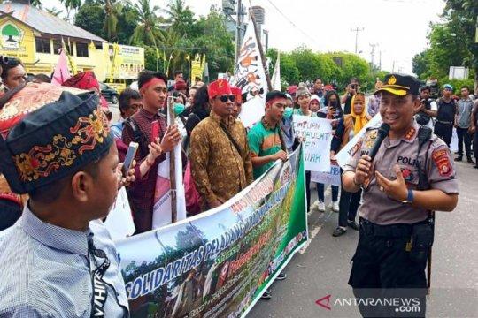 Warga Dayak Kalimantan Tengah desak polisi bebaskan peladang