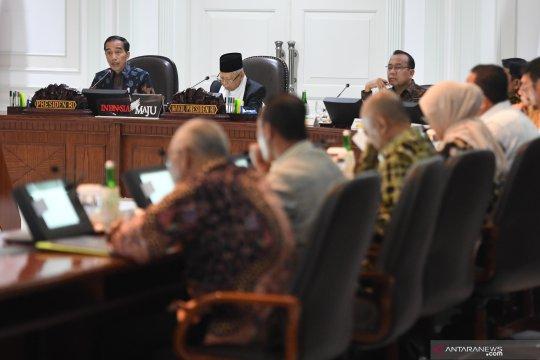 Presiden pimpin tiga ratas di Istana