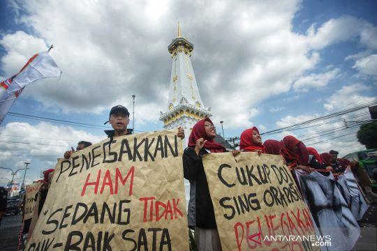 Aksi meminta penuntasan kasus pelanggaran HAM