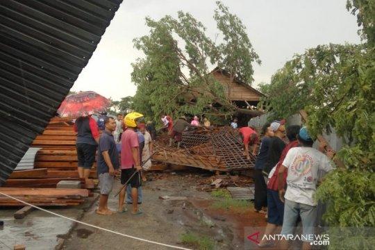 Akibat angin ribut di Klaten, seorang anak meninggal