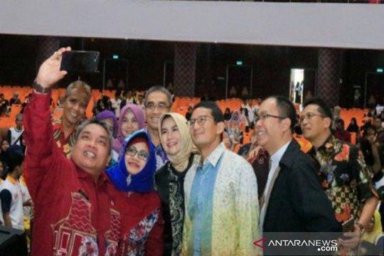 Wali Kota--Sandiaga Uno  luncurkan aplikasi Idaman Banjarbaru