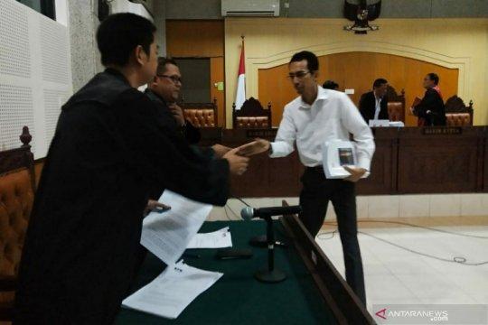 Mantan Kasi Inteldakim Mataram dituntut lima tahun