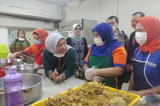 Menaker kunjungi pekerja migran Indonesiadi Malaysia