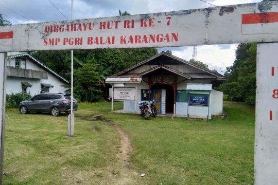 Sekolah non formal di Balai Karangan  Kalbar lebih diminati