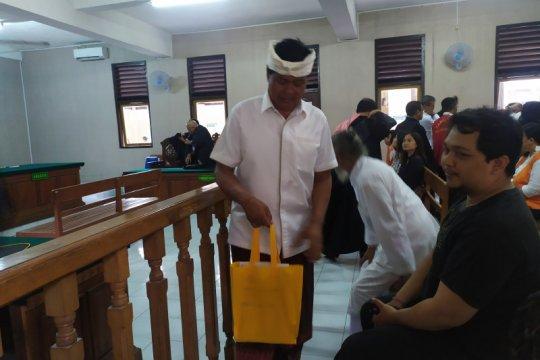 Mantan Wagub Bali dituntut 15 tahun di Pengadilan  Denpasar