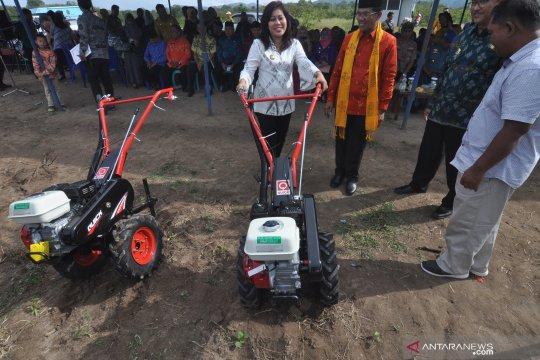 Pemberian bantuan mesin pertanian
