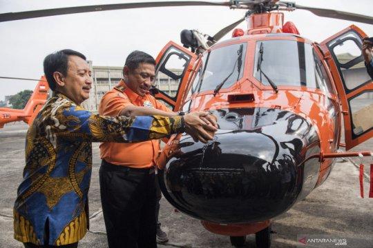 Serah terima Helikopter Dauphin ke Basarnas