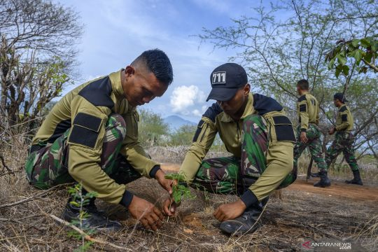 Tanam pohon untuk peringatan Hari Juang TNI AD A