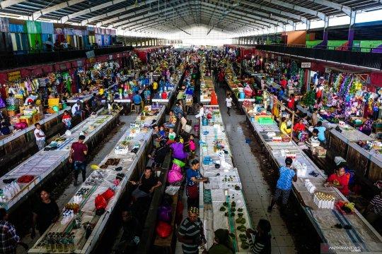 Pasar Aroro Iroro jadi sentra jual beli di kota Serui, Papua