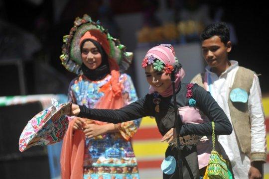 Pariaman lombakan daur ulang sampah pada Peringatan Hari Nusantara