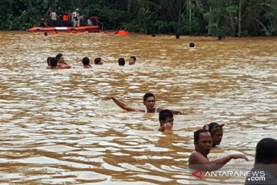 Humaniora kemarin, hujan meteor Geminid hingga banjir sejumlah daerah