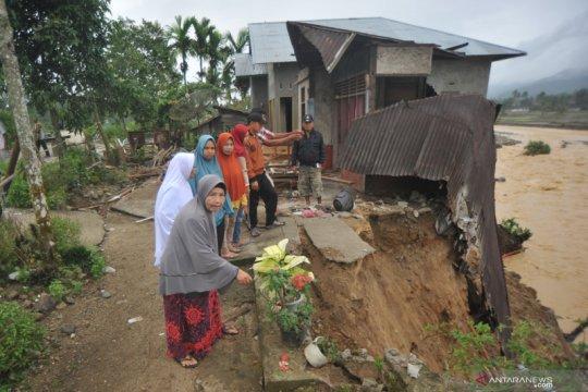 Kondisi permukiman warga pascabanjir bandang di Solok Selatan