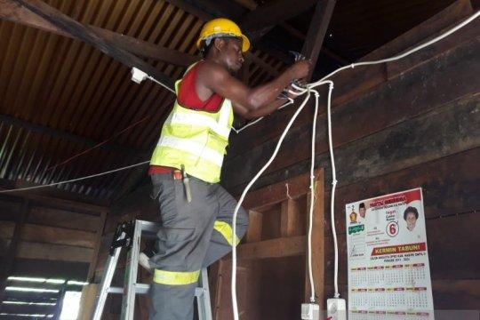 PLN Papua listriki 100 rumah warga daerah 3T, ini rincian lokasinya