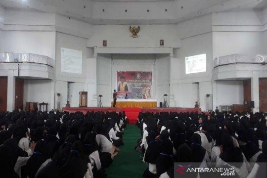 Rektor UHO mendorong mahasiswa cinta NKRI