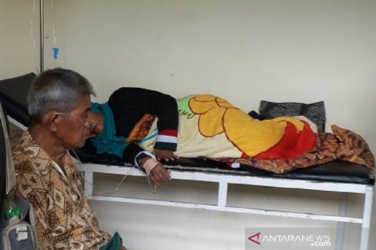 Puluhan warga di dua desa di Sukabumi keracunan