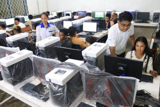 Komputer untuk PKBM Mustika di perbatasan Indonesia-Malaysia