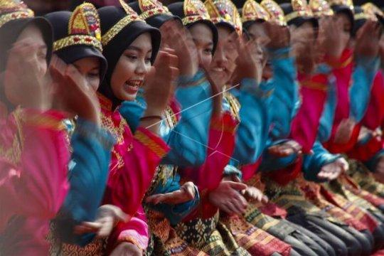 Festival budaya Indonesia satu Page 2 Small