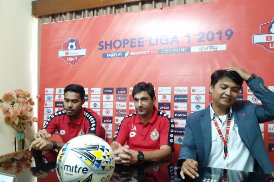 Manajemen : Semen Padang FC butuh investor