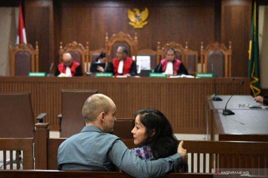 Sidang dakwaan kasus suap Bupati Bengkayang