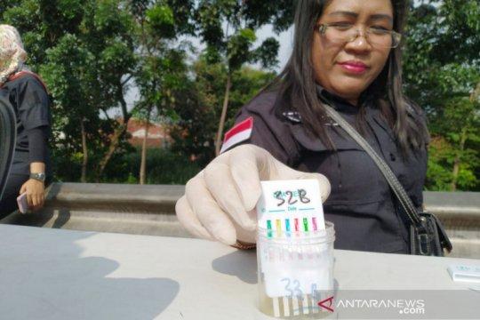 Terjaring operasi, 108 sopir dan kondektur di Bogor jalani tes urine